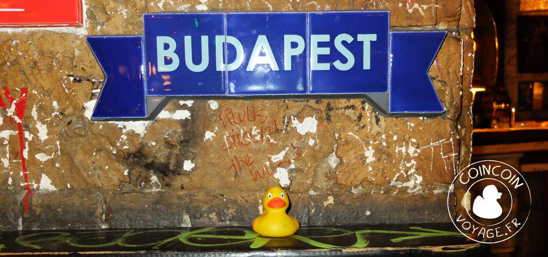 ruin-bar-szimpla-kert-bar-budapest